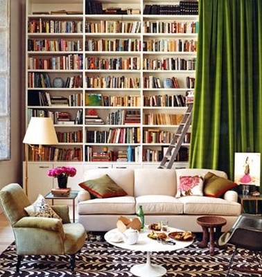 Living room book wall fr alkemieblogspot